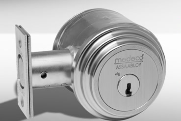 Medeko Residential deabolt installation by Miami master locksmith